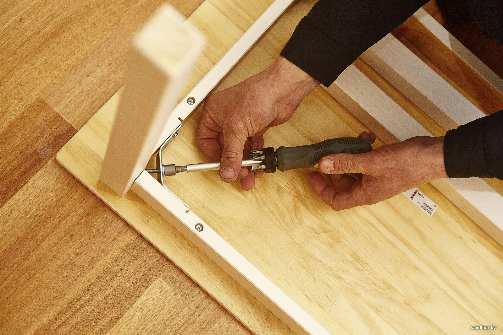 Assembling IKEA tables